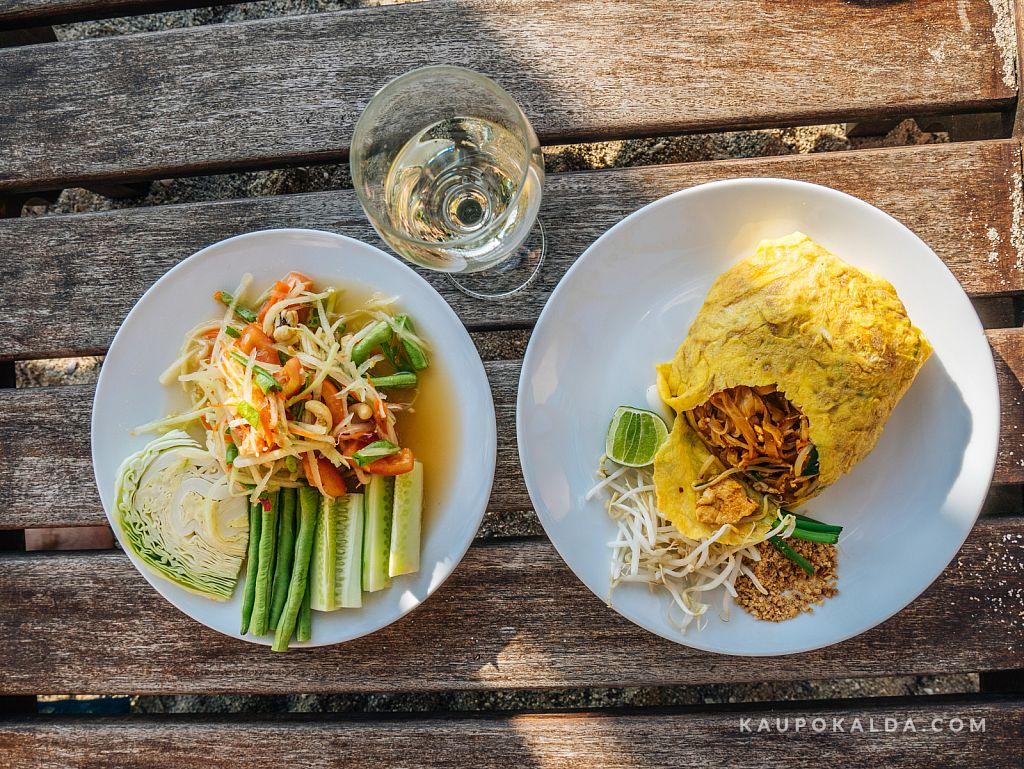 Rohelise papaia salat ja Pad Thai