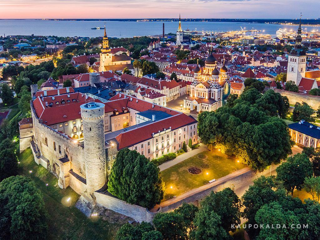 Toompea loss / Riigikogu hoone