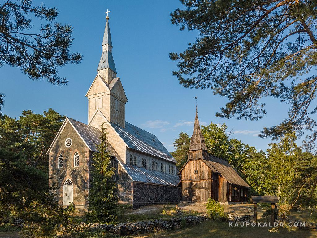 Ruhnu kirikud