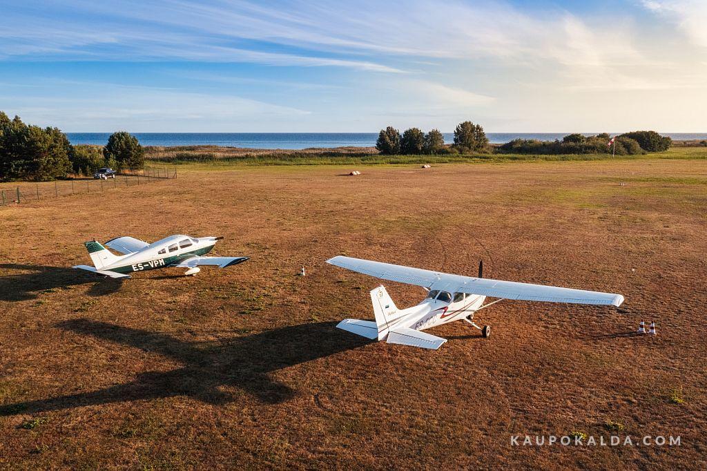 Ruhnu lennuväli